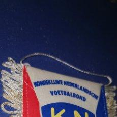 Coleccionismo deportivo: BANDERIN FUTBOL KONINKLIJKE NEDERLANDSCHE VOETBALBOND KNVB AÑOS 80. Lote 210771664