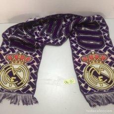 Coleccionismo deportivo: BUFANDA DE REAL MADRID ANTIGUA. Lote 214157717