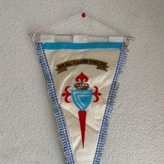 Collectionnisme sportif: BANDERIN FUTBOL GRANDE REAL CLUB CELTA AÑOS 80 DE TELA. Lote 214550948