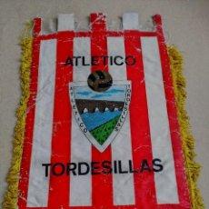 Coleccionismo deportivo: BANDERIN ATLETICO TORDESILLAS. Lote 216725341