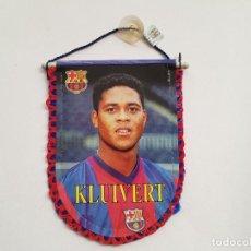Collezionismo sportivo: BANDERÍN KLUIVERT (FC BARCELONA). Lote 217126081