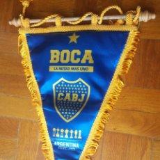 Coleccionismo deportivo: CLUB ATLÉTICO BOCA JUNIORS. BUENOS AIRES. BANDERÍN - MIDE: 40X 29 CTMS.. Lote 217394956