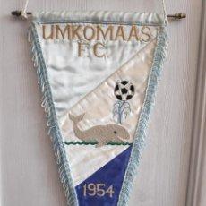 Coleccionismo deportivo: 1954 UMKOMAAS FC SOUTH AFRICA ANTIGUO BORDADO GRAN BANDERIN FUTBOL MATCH WORN PENNANT. Lote 218577045
