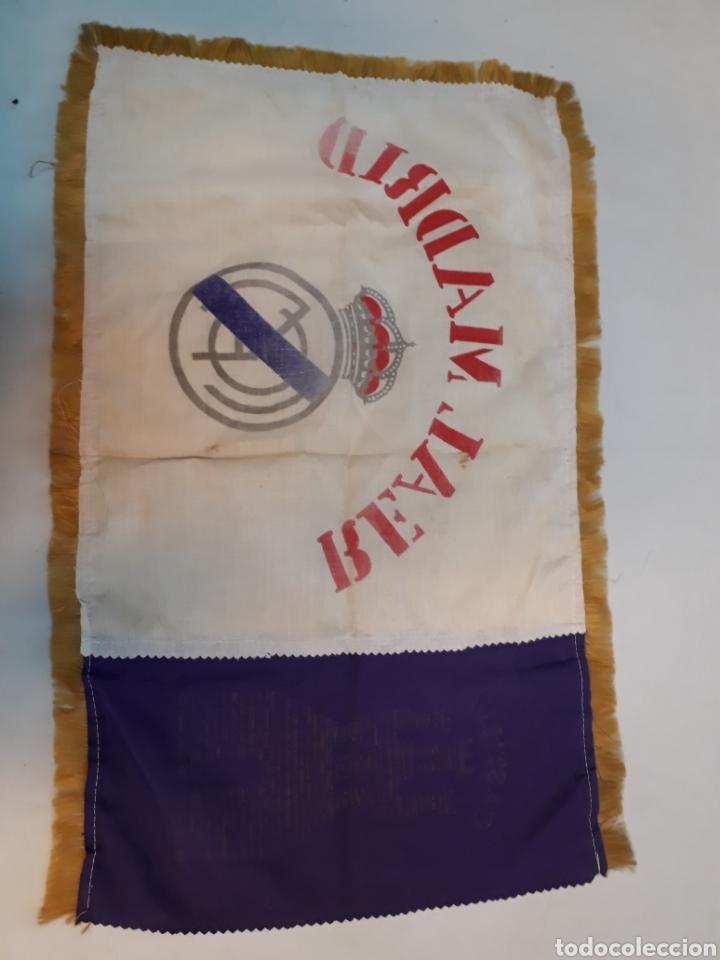 Coleccionismo deportivo: Antigua bandera del real Madrid - Foto 4 - 218667817
