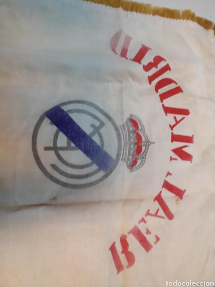 Coleccionismo deportivo: Antigua bandera del real Madrid - Foto 5 - 218667817