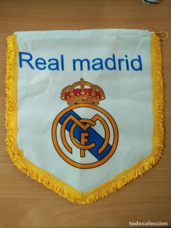 Coleccionismo deportivo: LOTE DE ESTANDARTE Y BANDERA DEL REAL MADRID - Foto 3 - 218694757