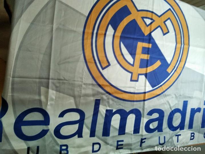 Coleccionismo deportivo: LOTE DE ESTANDARTE Y BANDERA DEL REAL MADRID - Foto 7 - 218694757