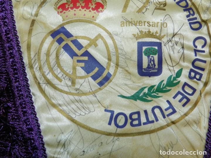 Coleccionismo deportivo: BANDERIN 75 ANIVERSARIO 1902-1977 REAL MADRID CLUB DE FUTBOL, FIRMADO POR LA PLANTILLA, SE VE LA DE - Foto 5 - 219627061