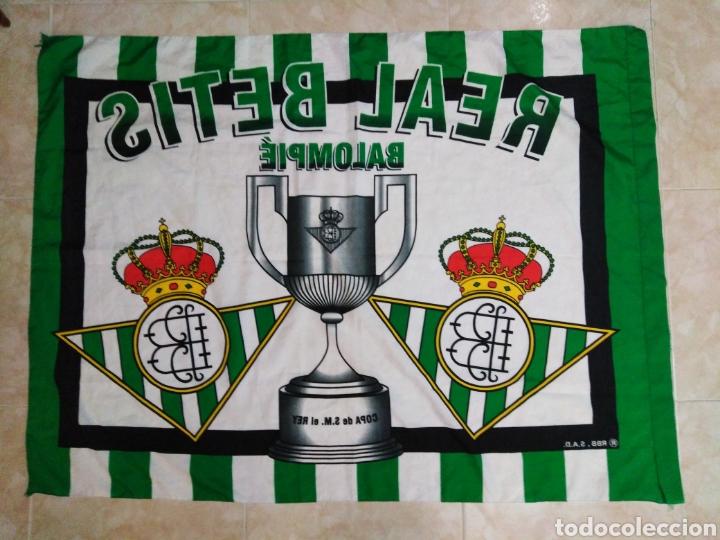 Coleccionismo deportivo: Real Betis Balompie, copa de S.M el rey ( 131X97 ) bandera tela - Foto 2 - 223154040