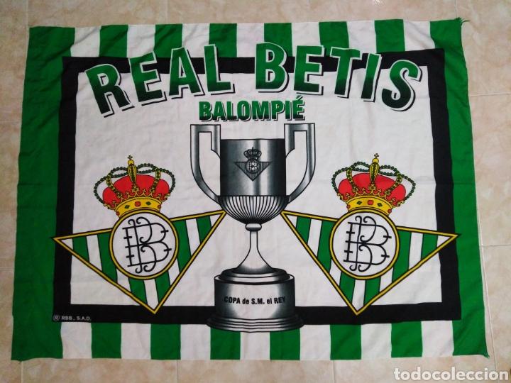 REAL BETIS BALOMPIE, COPA DE S.M EL REY ( 131X97 ) BANDERA TELA (Coleccionismo Deportivo - Banderas y Banderines de Fútbol)