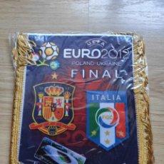 Coleccionismo deportivo: BANDERIN DE EUROPA 2012 CONTRA ESPAÑA ITALIA 17X23 CM,EN PERFECTAS CONDICIONES, ES CAMPEONA EN KIEV. Lote 223572513