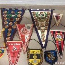 Coleccionismo deportivo: FANTÁSTICO LOTE 10 BANDERINES FÚTBOL REAL MADRID. F.C. BARCELONA, MILÁN, JUVENTUS, GENOA, VER FOTOS. Lote 223817351
