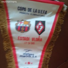 Collezionismo sportivo: FC BARCELONA FLAMURTARI ALBANIA 1986 PENNANT FOOTBALL FUTBOL BANDERIN. Lote 225966440