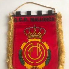 Collezionismo sportivo: BANDERIN RCD MALLORCA INTERCAMBIADO PARTIDO. Lote 229263510