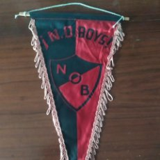 Coleccionismo deportivo: ANTIGUO BANDERIN DEL CLUB ATLETICO NEWELLS OLD BOYS. Lote 230044740