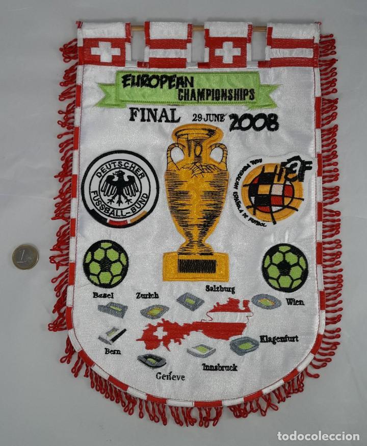 GRAN BANDERIN DE FUTBOL BORDADO Y ESCUDOS FINAL COPA DE EUROPA CHAMPIONSHIPS, ESPAÑA-ALEMANIA -2008 (Coleccionismo Deportivo - Banderas y Banderines de Fútbol)