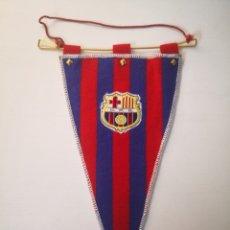 Coleccionismo deportivo: ANTIGUO BANDERIN FC BARCELONA BARÇA TAMAÑO 30CM LARGO. Lote 236123895