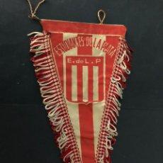 Coleccionismo deportivo: ANTIGUO BANDERIN EQUIPO FUTBOL ESTUDIANTES DE LA PLATA. Lote 237067280