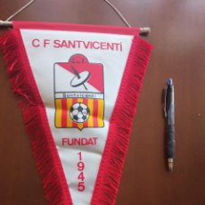 Coleccionismo deportivo: CF SANT VICENTI BANDERIN PENNANT FOOTBALL FUTBOL BANDERIN BANDERIOLA. Lote 243878695