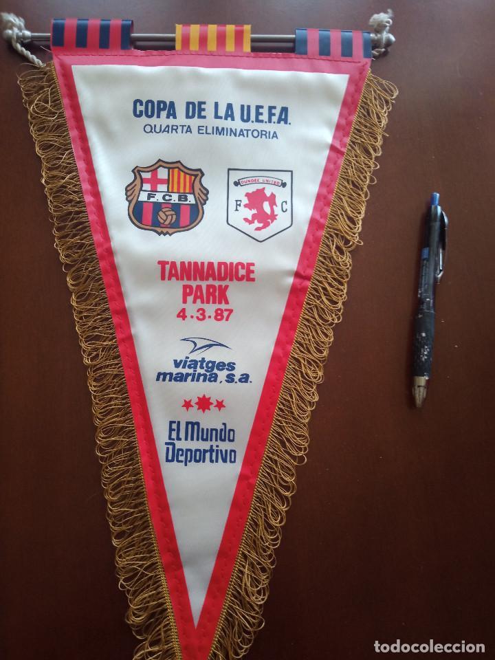 DUNDEE UTD FC FC BARCELONA 1987 BANDERIN PENNANT FOOTBALL FUTBOL BANDERIN BANDERIOLA (Coleccionismo Deportivo - Banderas y Banderines de Fútbol)