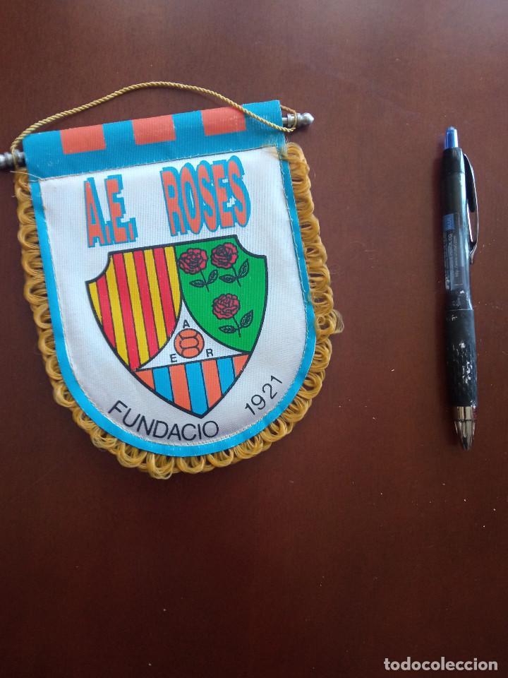 AE ROSES ROSAS BANDERIN PENNANT FOOTBALL FUTBOL BANDERIN BANDERIOLA (Coleccionismo Deportivo - Banderas y Banderines de Fútbol)