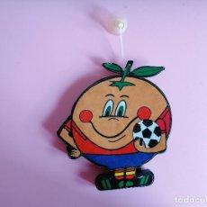Coleccionismo deportivo: AMBIENTADOR DE COCHE NARANJITO MUNDIAL 1982 ESPAÑA. Lote 244656805