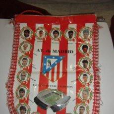 Coleccionismo deportivo: ANTIGUO BANDERIN DE FUTBOL DEL ATLETICO DE MADRID AT DE MADRID. Lote 244883070
