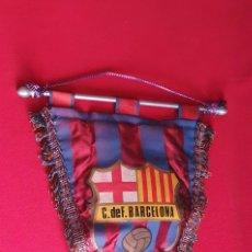 Coleccionismo deportivo: ANTIGUO BANDERIN CLUB DE FUTBOL BARCELONA. Lote 245218655