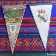 Coleccionismo deportivo: LOTE 2 BANDERÍN REAL MADRID DE TELA Y SANTIAGO BERNABÉU PLÁSTICO. AÑOS 60. 27X15 CMS. RAROS.. Lote 246140440