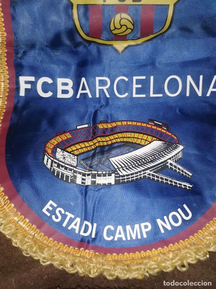 Coleccionismo deportivo: Banderín oficial del fútbol club Barcelona y llavero - Foto 3 - 247239245