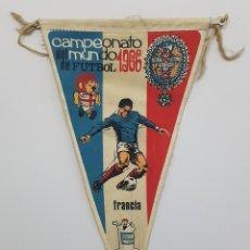 Coleccionismo deportivo: BANDERIN CAMPEONATO MUNDIAL DE FUTBOL 1966 SELECCION FRANCIA PUBLICIDAD DETERGENTE GIOR. Lote 191950820