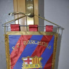 Collectionnisme sportif: BANDERIN F.C. BARCELONA AÑOS 80- NUEVO SIN USO. MIDE 40X30CM.. Lote 249339620