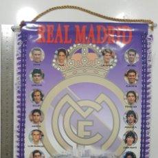 Coleccionismo deportivo: BANDERÍN REAL MADRID 95 - 96 1995 1996 29X45 CM RAUL,LAUDRUP,ESNAIDER,ALVARO,LUIS ENRIQUE. RARO. Lote 249558475