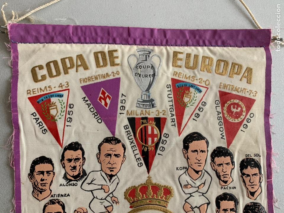 Coleccionismo deportivo: Banderín .REAL MADRID. CAMPEÓN COPA DE EUROPA -PENTACAMPEON editado con los NOMBRES de los JUGADORES - Foto 2 - 254026735