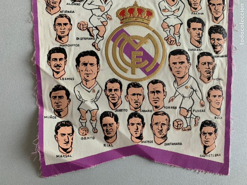 Coleccionismo deportivo: Banderín .REAL MADRID. CAMPEÓN COPA DE EUROPA -PENTACAMPEON editado con los NOMBRES de los JUGADORES - Foto 4 - 254026735