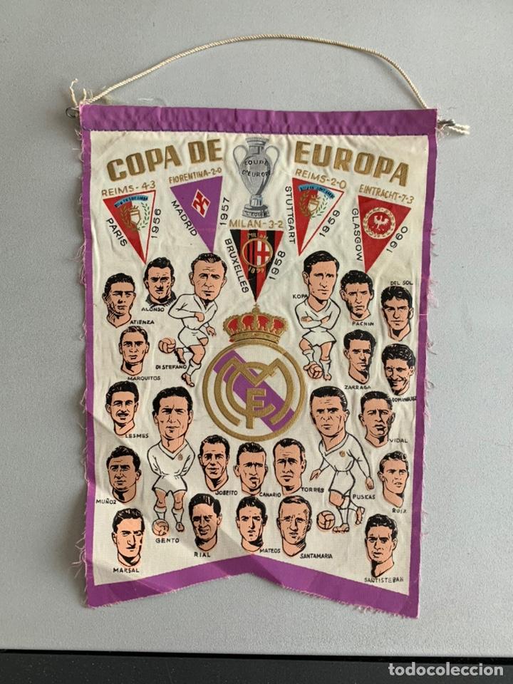 BANDERÍN .REAL MADRID. CAMPEÓN COPA DE EUROPA -PENTACAMPEON EDITADO CON LOS NOMBRES DE LOS JUGADORES (Coleccionismo Deportivo - Banderas y Banderines de Fútbol)