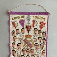 Coleccionismo deportivo: BANDERÍN .REAL MADRID. CAMPEÓN COPA DE EUROPA -PENTACAMPEON EDITADO CON LOS NOMBRES DE LOS JUGADORES. Lote 254026735