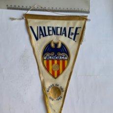 Coleccionismo deportivo: BANDERÍN. VALENCIA C. F. BODAS DE ORO 1919-1969.. Lote 255935090