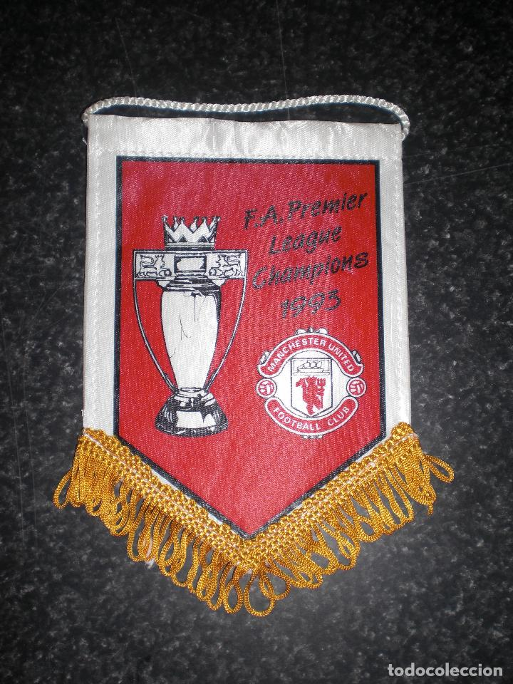BANDERÍN CONMEMORATIVO MANCHESTER UNITED CAMPEÓN PREMIER LEAGUE 1993 (Coleccionismo Deportivo - Banderas y Banderines de Fútbol)