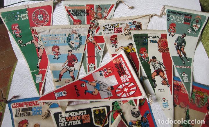 Coleccionismo deportivo: 14 BANDERINES CAMPEONATO DEL MUNDO DE FUTBOL 1966 - Foto 2 - 262270230
