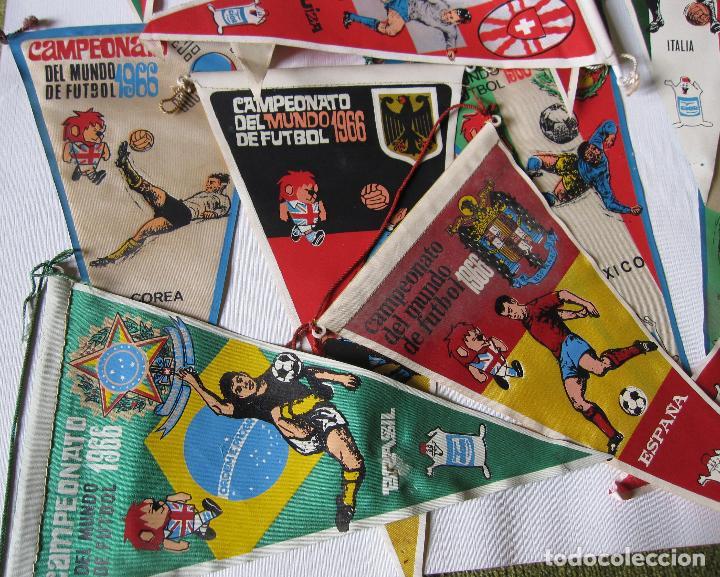 Coleccionismo deportivo: 14 BANDERINES CAMPEONATO DEL MUNDO DE FUTBOL 1966 - Foto 3 - 262270230