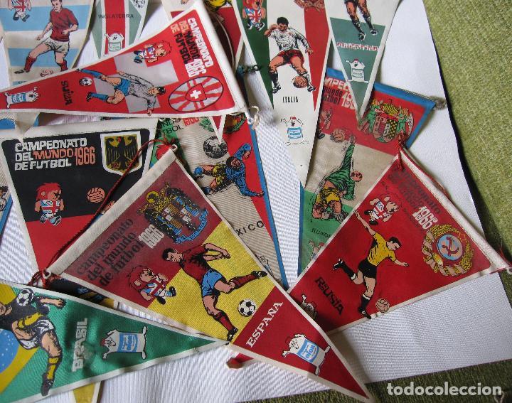 Coleccionismo deportivo: 14 BANDERINES CAMPEONATO DEL MUNDO DE FUTBOL 1966 - Foto 4 - 262270230