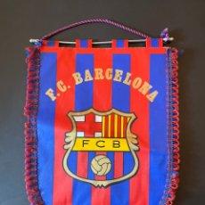 Coleccionismo deportivo: GRAN BANDERÍN FUTBOL CLUB BARCELONA 93/94. Lote 263190990