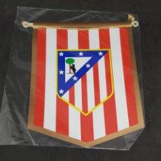 Coleccionismo deportivo: BANDERIN ATLETICO MADRID - 14X12 - CAR208. Lote 263207220