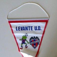 Coleccionismo deportivo: BANDERÍN ANTIGUO - FÚTBOL VINTAGE - LEVANTE U.D. - DE VALENCIA - MASCOTA. Lote 263580740