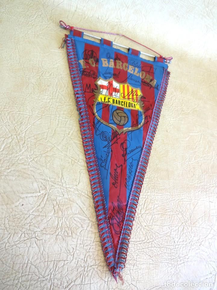 Coleccionismo deportivo: banderin barça firmado plantilla temporada 82 - 83 barcelona tamaño grande diego armando maradona - Foto 6 - 268921344