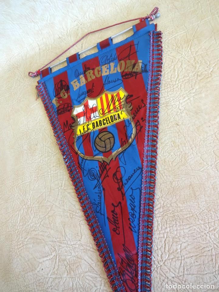 Coleccionismo deportivo: banderin barça firmado plantilla temporada 82 - 83 barcelona tamaño grande diego armando maradona - Foto 7 - 268921344