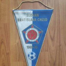 Coleccionismo deportivo: 1969-70 SLOVAN BRATISLAVA SLOVAKIA BANDERIN FUTBOL PENNANT. Lote 268996929