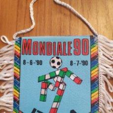 Coleccionismo deportivo: COPA MUNDIAL DE FÚTBOL DE 1990 ITALIA BANDERIN FUTBOL PENNANT. Lote 268997189