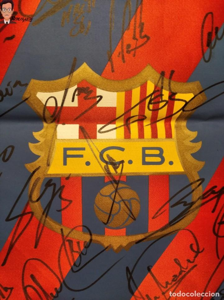 Coleccionismo deportivo: BANDERÍN FIRMADO F.C. BARCELONA - AUTÓGRAFOS 96 / 97 - RONALDO FIGO GUARDIOLA STOICHKOV ... (BARÇA) - Foto 2 - 269119663